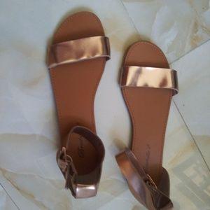New Rose Gold Kylee  Breckelles Sandals size 7